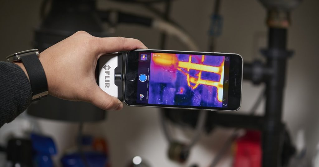 CCTV MAG - New lir thermal cameras - FLIR ONE
